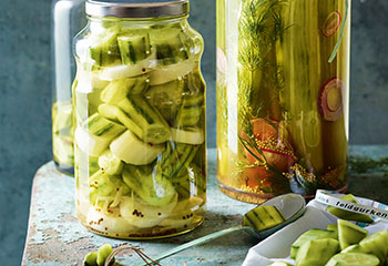 Salatgurken in Dille-Sherry-Sud Foto: © Walter Cimbal