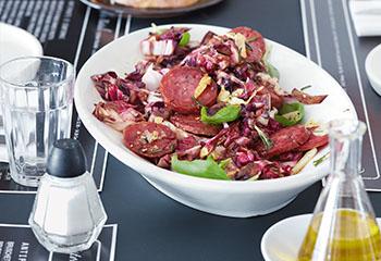 Gebratener Salami-Radicchio-Salat Foto: © Janne Peters