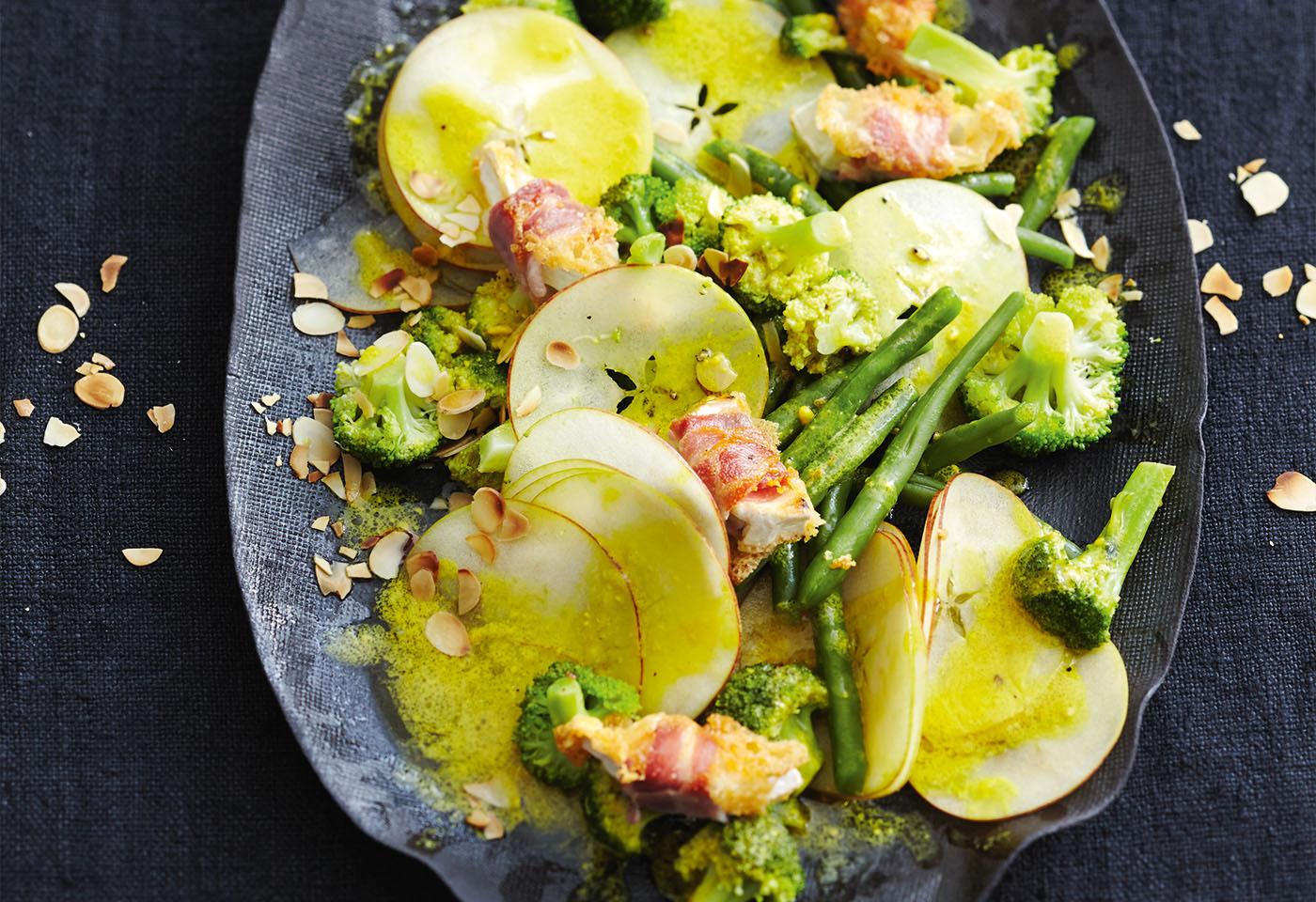 brokkoli apfel salat mit ziegenk se im speckmantel frisch gekocht. Black Bedroom Furniture Sets. Home Design Ideas