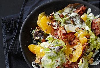 Speck-Orangen-Salat mit Joghurt-Kräuter-Dressing Foto: © Thorsten Suedfels