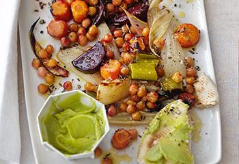 Pitabrot mit Ofengemüse und Kichererbsen-Avocadocreme Foto: © Thorsten Suedfels