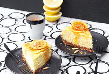 Ziegenkäse-Topfenkuchen mit Karamell-Zitronen Foto: © Janne Peters
