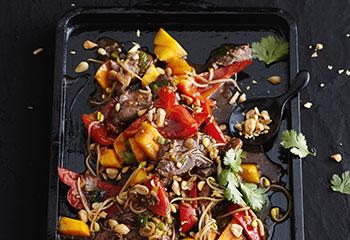Schnelle Thai-Pfanne mit Gemüse und Rinderfilet Foto: © Thorsten Suedfels