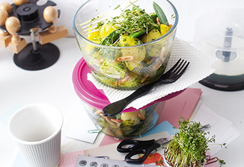 Erdäpfelsalat mit Paprika und Kaiserschoten Foto: © Monika Schürle