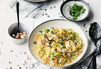 Pasta mit Linsen-Gemüse-Sauce Foto: © Wolfgang Schardt
