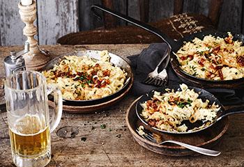 Käsespätzle mit Röstzwiebeln Foto: © Janne Peters
