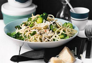 Pasta aglio e olio mit Brokkoli Foto: © Wolfgang Schardt