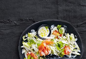 Chicorée-Salat mit Birnen und Räucherlachs Foto: © Thorsten Suedfels