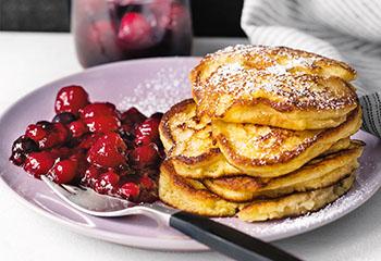 Polenta-Pancakes mit Beerenkompott Foto: © Wolfgang Schardt