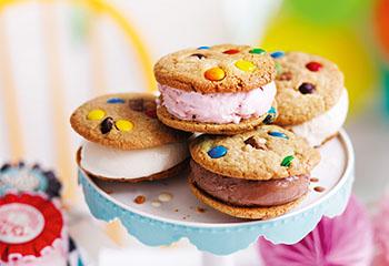 Eis-Cookie-Sandwiches Foto: © Ben Dearnley