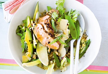 Avocado-Sellerie-Salat mit Huhn und Nuss-Mayonnaise Foto: © Wolfgang Schardt