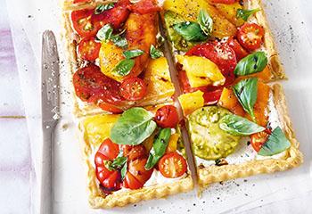 Paprika-Tomaten-Tarte mit Frischkäse und Balsamico Foto: © Walter Cimbal