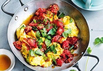 Tomaten-Eierspeis mit Ingwer und Sojasauce Foto: © William Meppem