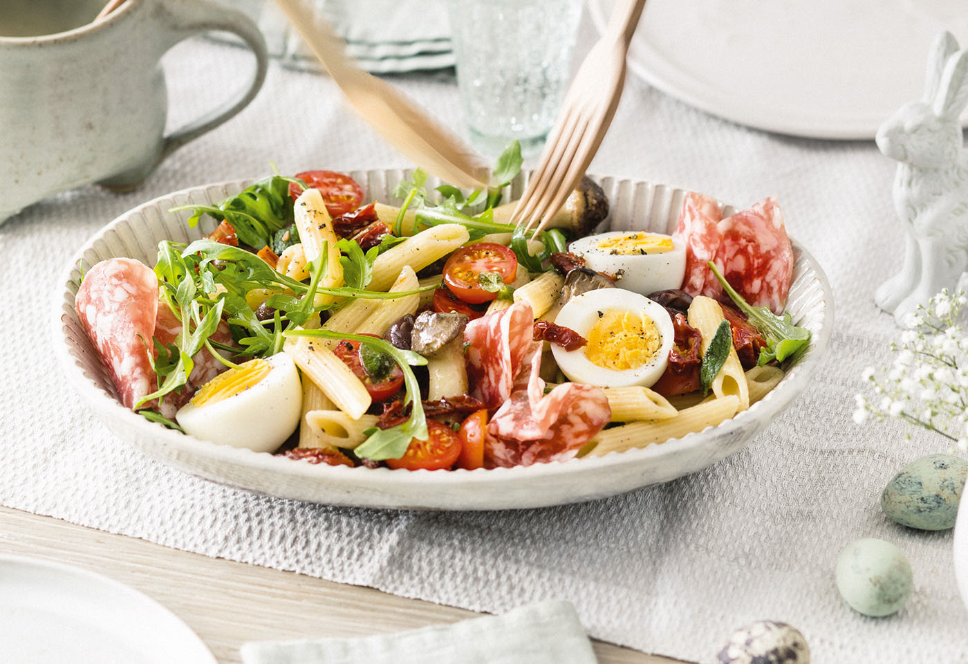Nudelsalat mit Thunfisch und gekochtem Ei: Proteinbombe