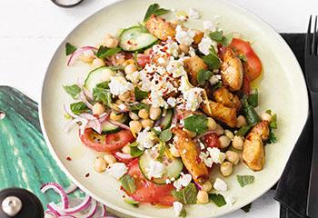 Kichererbsen-Feta-Salat mit Putenstreifen Foto: © Wolfgang Schardt