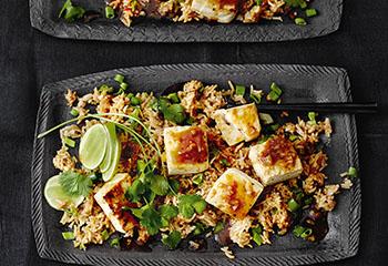 Gebratener Reis mit Tofu und Knoblauch Foto: © Thorsten Suedfels
