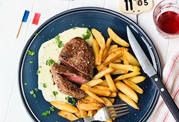 Steak frites mit Sauce béarnaise Foto: © Wolfgang Schardt