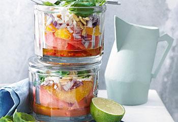 Melonen-Orangen-Salat mit Feta und Basilikum Foto: © Nikolai Buroh