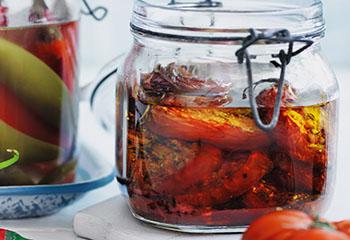 Balsamico-Tomaten in Öl Foto: © Ben Dearnley