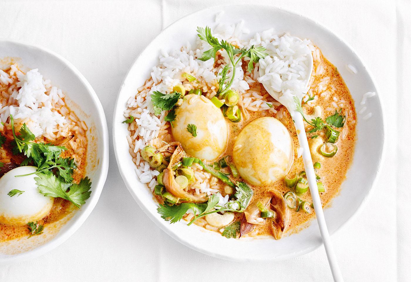 Eier in Kokos-Currysauce mit Basmatireis Foto: © Thorsten Suedfels