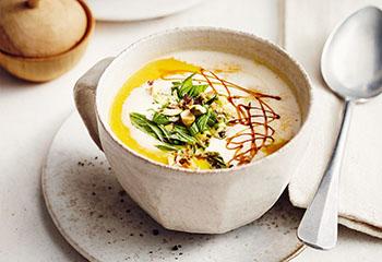 Kürbissuppe mit Karotten und Orange Foto: © Thorsten Suedfels