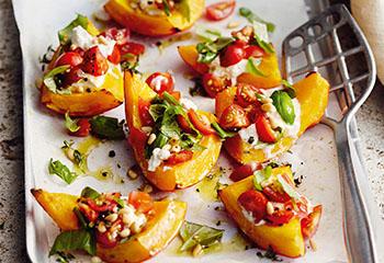 Ofenkürbis mit Ricotta und Tomaten Foto: © Thorsten Suedfels