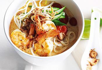 Garnelen-Kokosmilch-Suppe mit Reisnudeln Foto: © Jean Paul Urizar