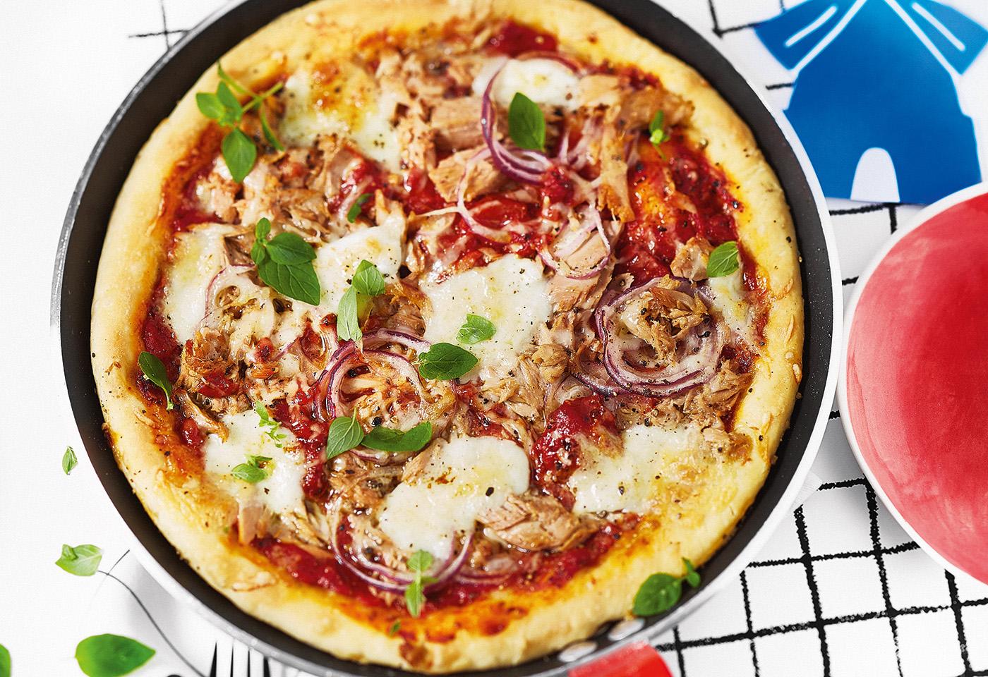 Thunfisch-Pizza mit Zwiebeln | Frisch Gekocht