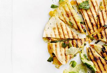 Quesadillas mit Lachs und Avocado-Limetten-Salsa Foto: © Thorsten Suedfels