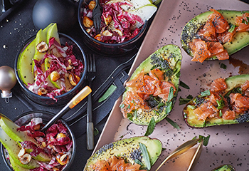 Radicchio-Birnen-Salat mit karamellisierten Gewürznüssen Foto: © Monika Schuerle