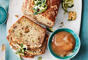 Süßes Nussbrot mit Zucchini und Apfelbutter Foto: © Janne Peters