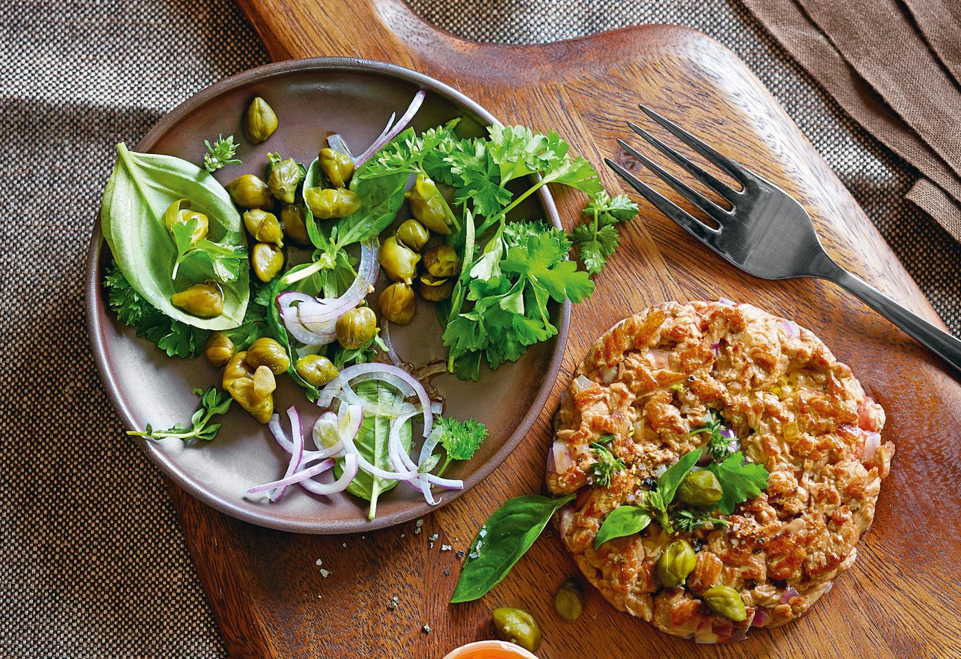 Berühmt Beef Tatar brûlé mit Kräuter-Kapern-Salat   Frisch Gekocht &GJ_12