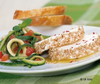 Zucchinisalat mit Ziegenfrischkäse