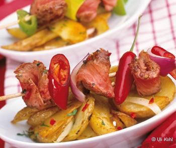 Beiriedspieße mit Chili-Lauch und Kartoffeln