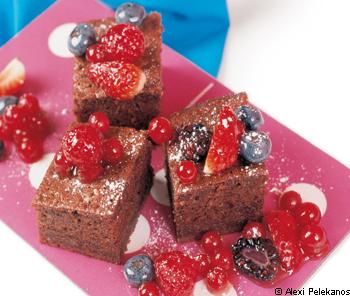 Becherkuchen mit Beeren