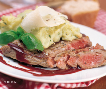 Chianti-Beiried mit Basilikum-Parmesan-Püree