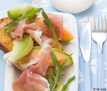 Melonenschiffchen mit gebratenem Ciabatta