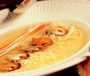 Muschelsuppe aus Marseille