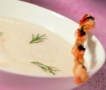 Lachssuppe mit Dill-Grissini