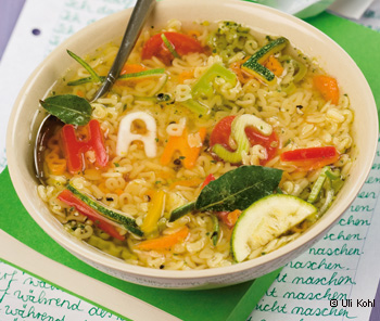Gemüse-Buchstabensuppe