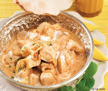 Hühnercurry und Mango-Lassi